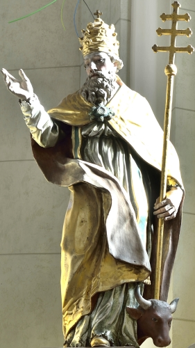 polychromed wood statue of Pope Saint Sylvester I by Domëne Moling, mid-18th century; parish church of Saint Genesius in La Val, Tyrol, Italy; photographed on 25 October 2013 by Wolfgang Moroder; swiped from Wikimedia Commons