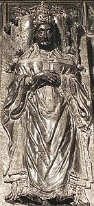 detail from a bronze monument of Pope Sixtus IV, by Antonio del Pollaiolo, c.1490