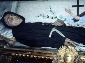 photograph of the incorrupt body of Saint Charles of Sezze