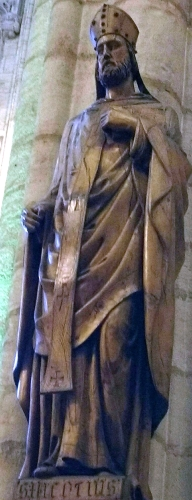 statue of Saint Nicerius of Lyon, date and artist unknown; church of Saint Nizier, Lyon, France; photographed on 7 April 2018 by Majella1851; swiped from Wikimedia Commons