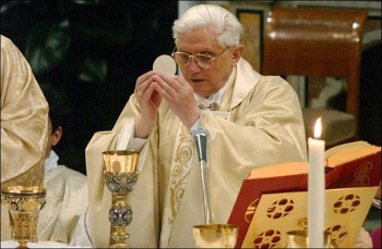 Pope Benedict XVI celebrating Mass