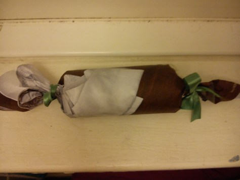 Toilet paper roll ---> Candy Shaker
