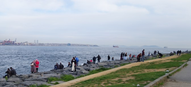 Sunday afternoon fishing, picnicking and walks on the Bosphorus