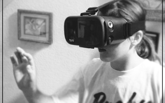 Virtual Home Tours can be viewed with a headset, but it's not required!