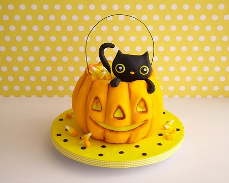 Kitty Cat Pumpkin Cake