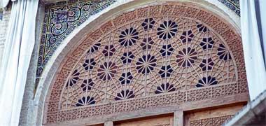A wooden over-panel above a door in Shiraz, Iran, June 1975
