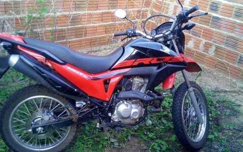 moto roubada em catole do rocha e recuperada pela policia militar em brejo dos santos