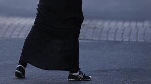 """Una falda, es considerada """"demasiado larga"""" y quebranta la ley sobre el laicismo de la escuela en Francia."""
