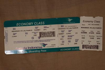 Boarding pass GA 886 GA 887 Garuda Indonesia rute Denpasar - Haneda yang akan selalu saya simpan untuk kenang - kenangan. Boarding pass maskapai lain mana bisa buat dikoleksi? :D