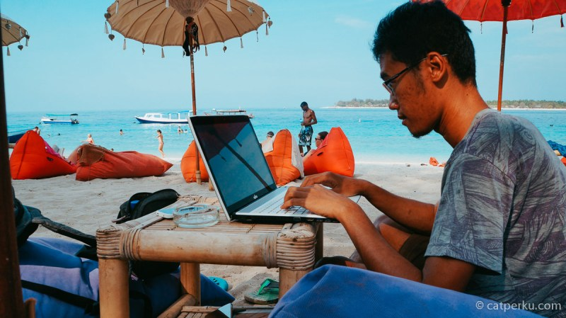 Kalau Kamu Blogger Seperti Saya, Cari Uang Tambahan Dengan Google Adsense. Lumayan lho kalau dikumpulin.