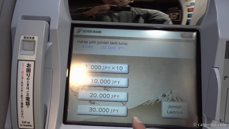 8. Kartu BCA saya jenisnya magnetik, limit tarik tunai sehari di Jepang adalah 30.000 YEN