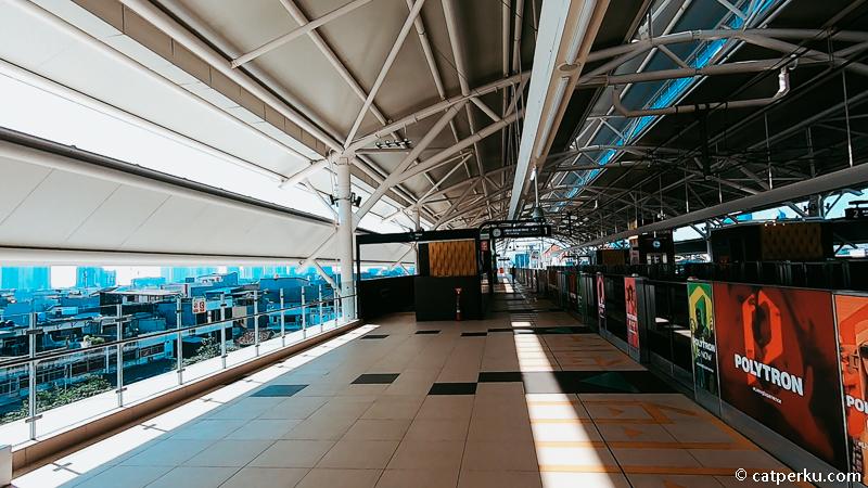 Ada juga stasiun MRT di Jakarta yang lokasinya diatas tanah.
