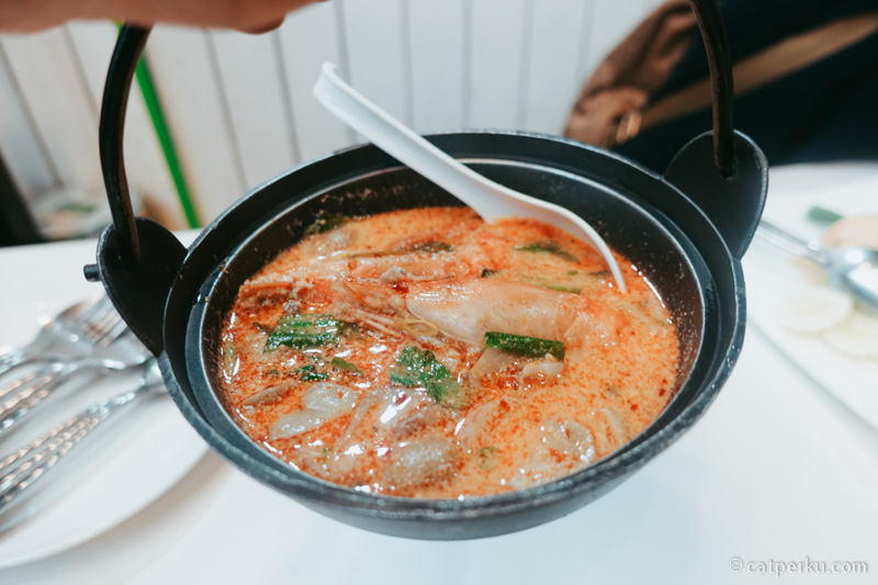 Ada yang suka sama Tom Yum Seafood?