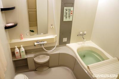 Dengan kamar mandi seperti ini, pastilah saya lebih betah berlama lama
