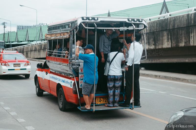 Atau kalau mau tantangan, coba naik ini waktu wisata ke Bangkok!