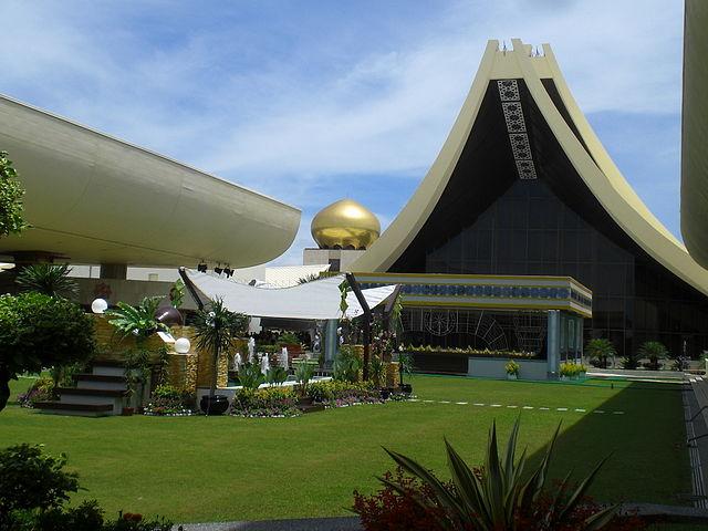 Bagian istana Nurul Iman yang bisa dikunjungi ketika Hari Raya Idul Fitri.