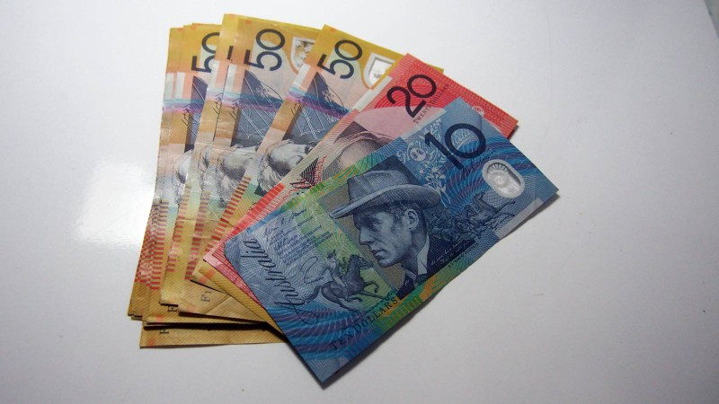 Beli AUD Atau Australian Dollar Untuk Bertahan Hidup Pada Awal Kedatangan Di Australia
