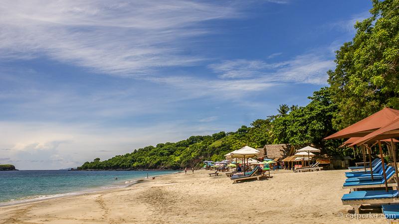 Berenang, snorkeling atau bersantai di White Sand Beach Bali? Silahkan dipilih sendiri!