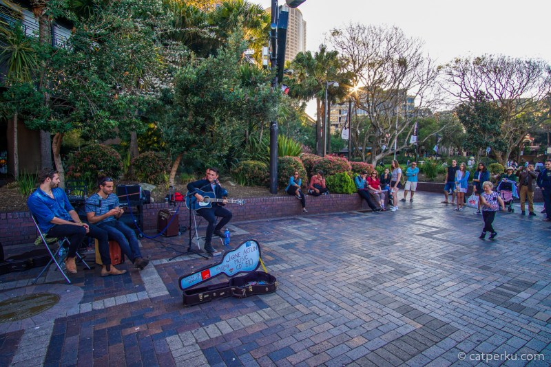 Travel Video : Street Music Performance Di Circular Quay