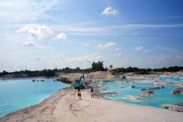 Danau Kaolin di Belitung, salah satu destinasi wisata di Belitung yang terkenal.