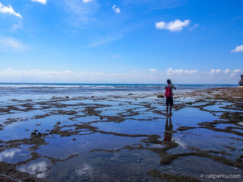 Datanglah di waktu yang tepat agar mendapatkan foto terbaik di Pantai Balangan Beach Bali.