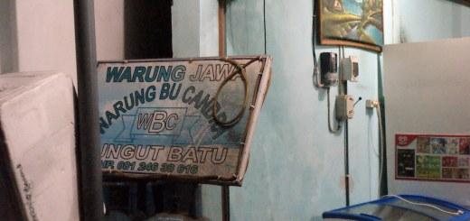 Di Bali, Warung Jawa ada di mana - mana. Bahkan di pulau sebelahnya, seperti Nusa Lembongan.