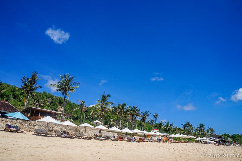 Dulu termasuk salah satu pantai tersembunyi di Bali, tapi sekarang namanya makin ngehits dan terkenal
