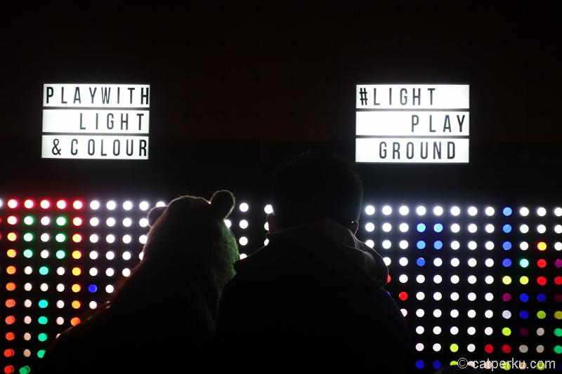 Bebas bermain dengan cahaya ketika Vivid Sydney :D