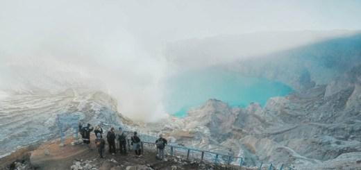 Hiking Ke Kawah Gunung Ijen
