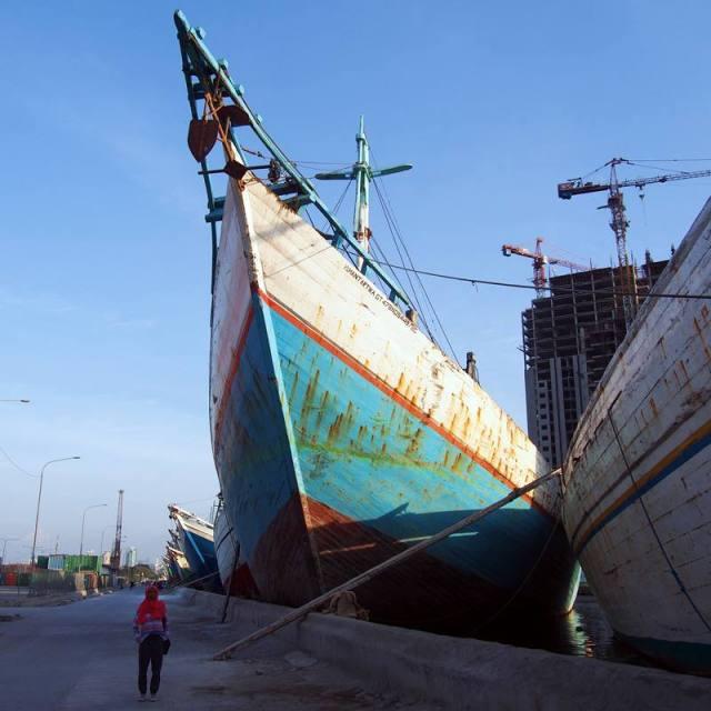 Ini adalah salah satu dari beberapa kapal besar di Pelabuhan Sunda Kelapa.