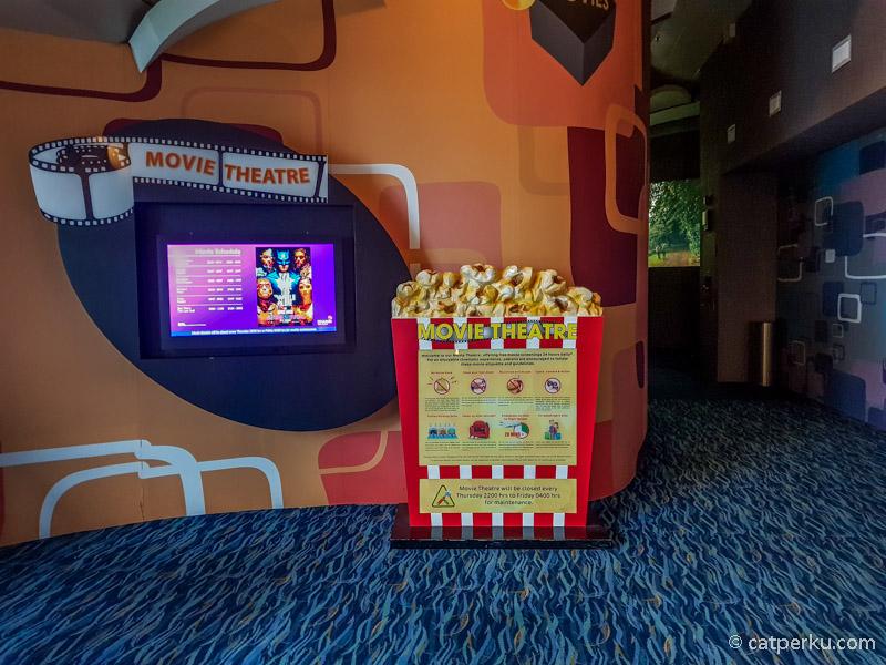 Kalau ini movie theatre Changi Airport yang ada di Terminal 2 ya!