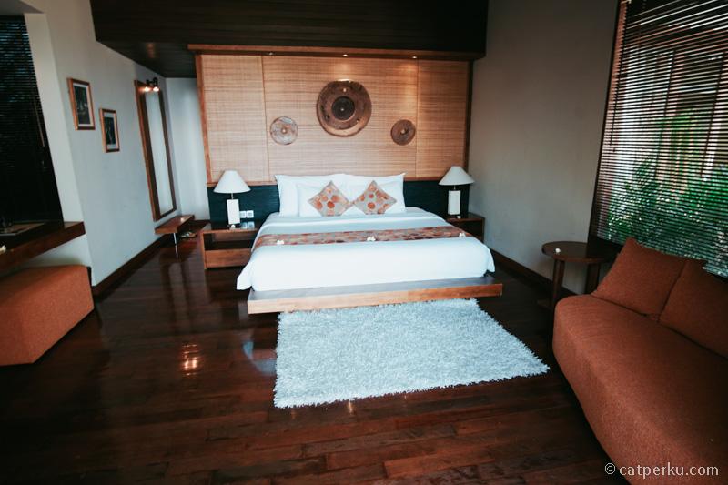 Kamar pertama di unit villa yang saya tempati.
