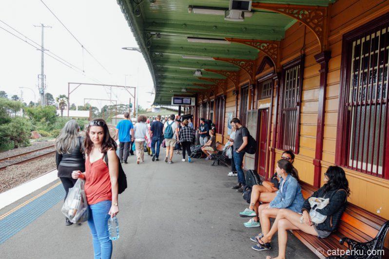 Katoomba Train Station ini arsitekturnya inggris banget coba!