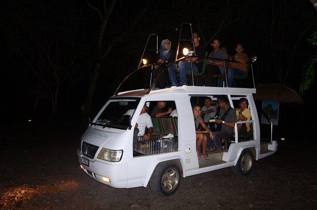 Kendaraan inilah transportasi selama di dalam The Menjangan Resort.
