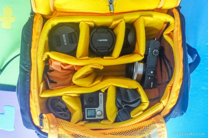 Kompartemen utama ini bisa menyimpan hingga 7 lensa