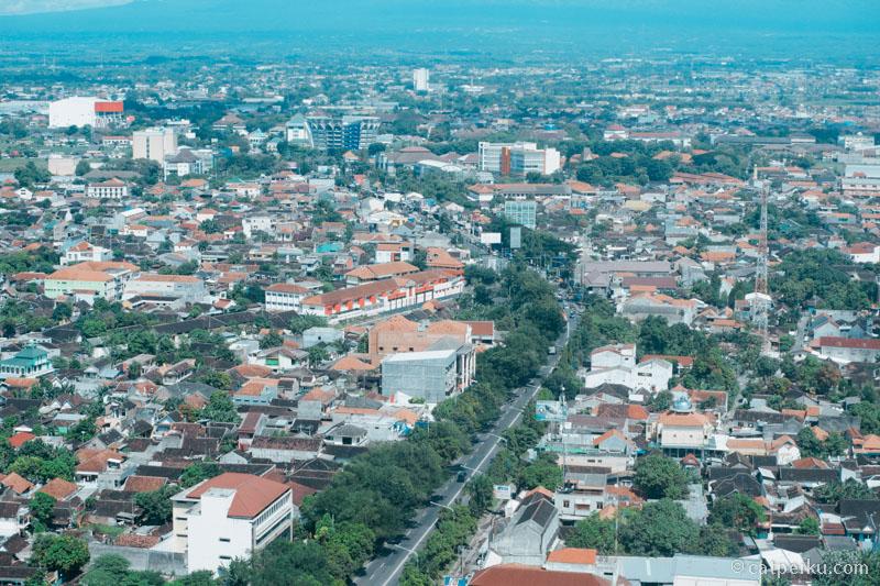 Kota Solo dari lantai 30 Hotel Alila Solo!