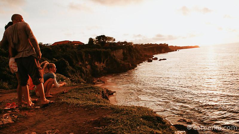 Lokasi dari Pantai Tegalwangi ini berada di Bali Selatan. Disini bisa menikmati pemandangan pantai yang begitu indah