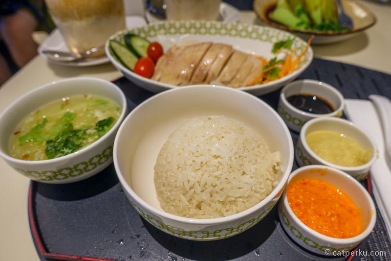 Mandarin Chicken Rice, signature dish Chatterbox yang wajib dicoba!