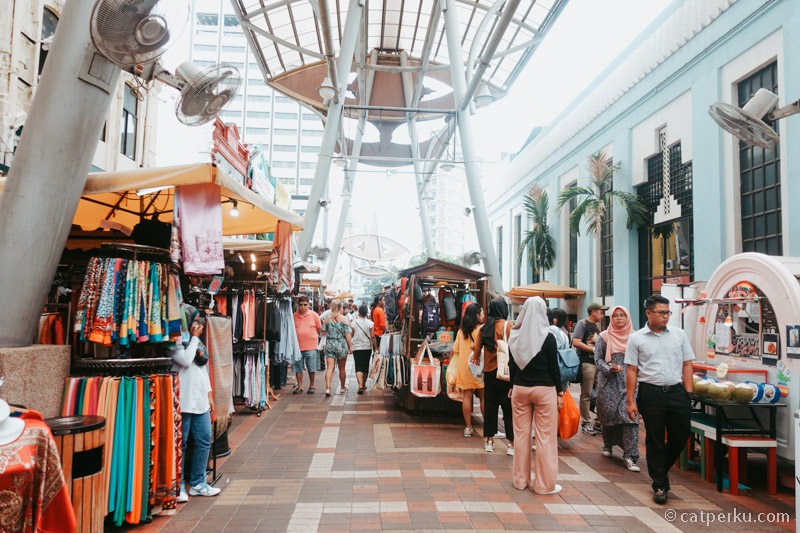 Mau belanja, mampir saja ke Pasar Seni Atau Central Market