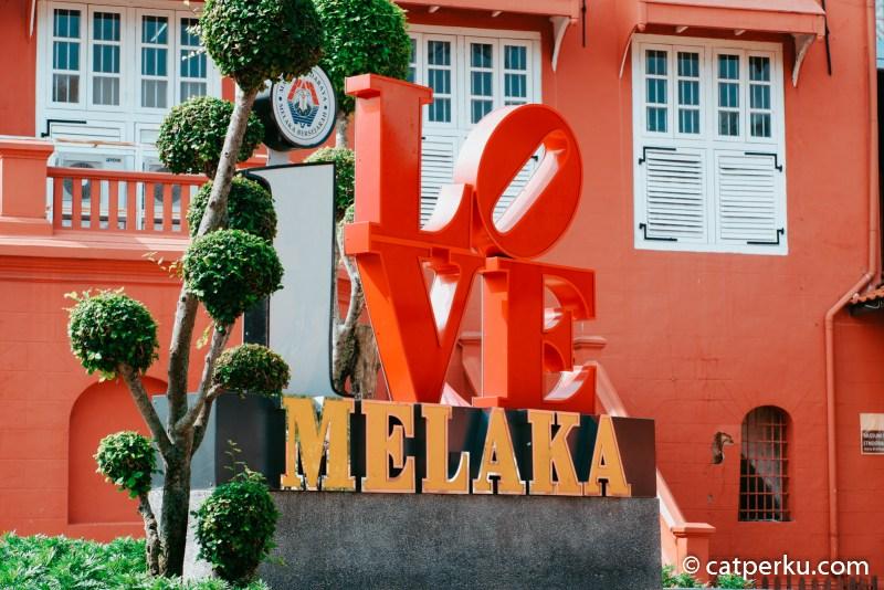 Melaka adalah kota bersejarah, itu berarti ada banyak tempat wisata bersejarah bisa kamu kunjungi ketika liburan ke Melaka.