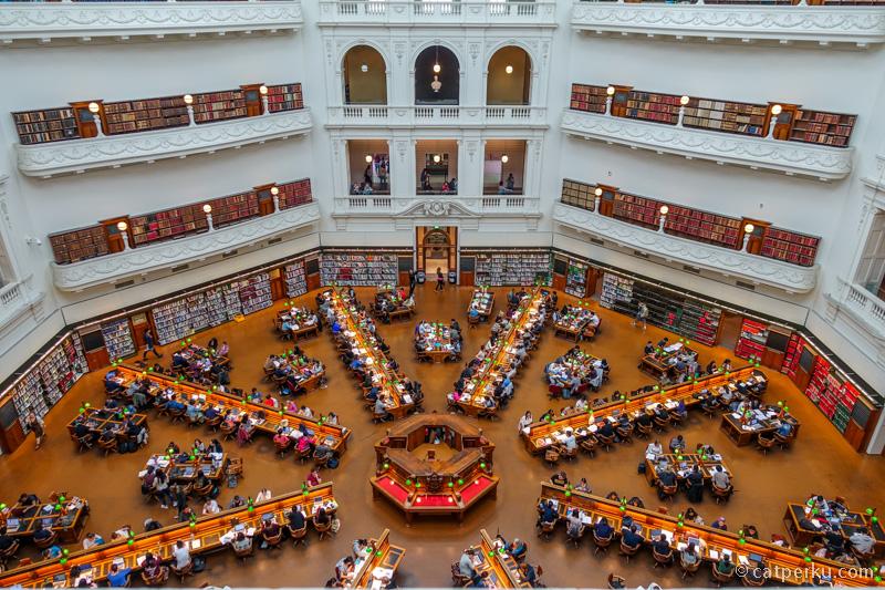 Melbourne punya perpustakaan yang gedee!
