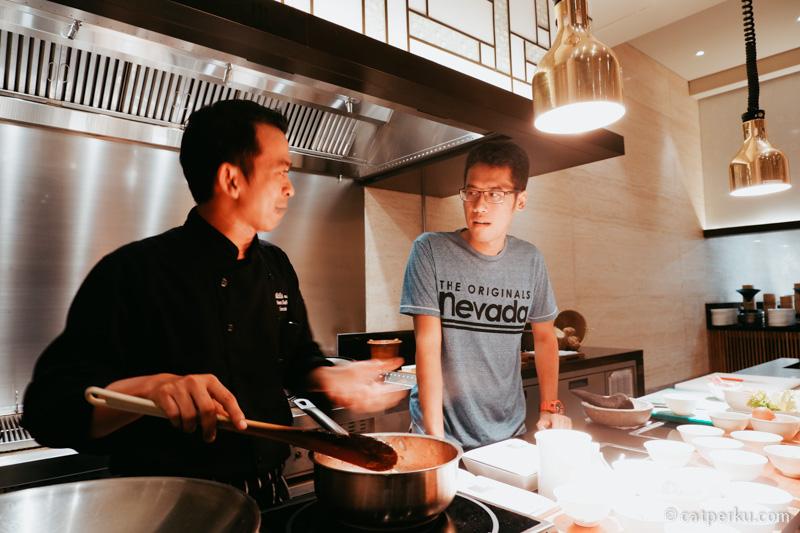 Menyempatkan diri untuk mencoba Alila Experience, mengikuti kelas memasak diajari langsung oleh Chef Iwan Irawan di Epice Restaurant!
