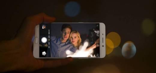 Minimal perlu kamera dengan kualitas belasan mega piksel agar traveling nyaman.
