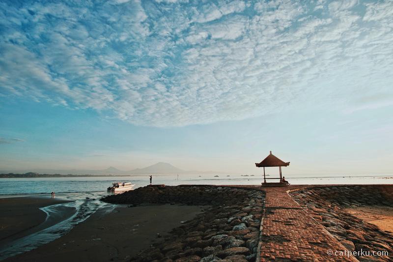 Mungkin saya sedang sangat beruntung, mendapatkan sunrise terbaik Pantai Sanur dalam sekali kunjungan.