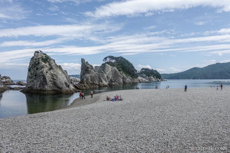 Gua Ryusendo ini keren loh ternyata! Jadi tempat ini adalah salah satu destinasi liburan musim panas di Jepang yang sejuk!