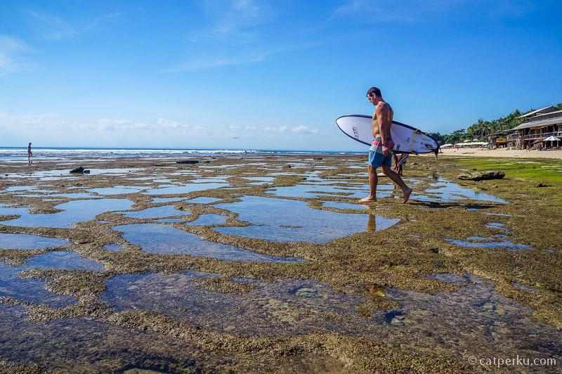 Namun sejak dari dulu, pantai ini tetap populer dikalangan surfer