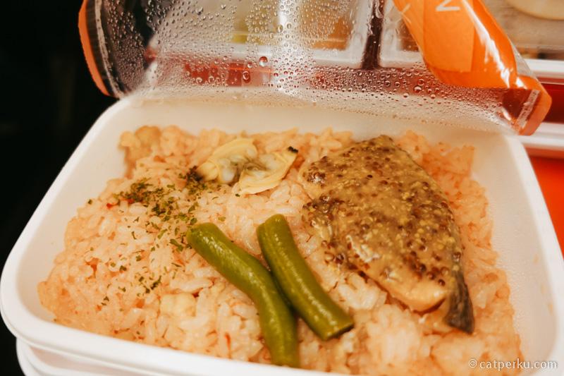 Nasi dengan seafood.