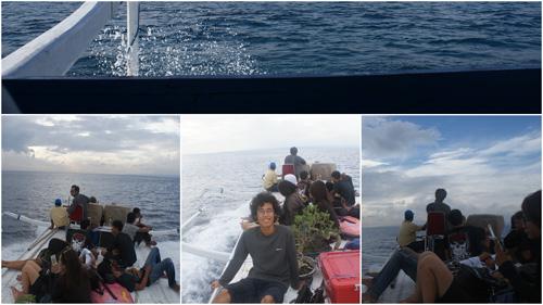 Suka dengan yang klasik? Yang tradisional? Coba deh menyeberang dengan public boat atau jukung yang biasa digunakan nelayan untuk melaut. Seru sih, tapii... :D