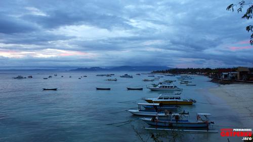 Suasana sore Nusa Lembongan seperti ini yang selalu bikin kangen siapapun yang pernah kesini.