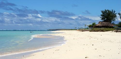 Ini Pantai Cemara! Siapa yang gak doyan? Kalau nyasar ke pantai seperti ini